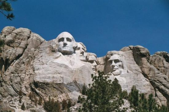 Mount Rushmore National Memorial: Yep, we were this close! Great walking trail for all ages.