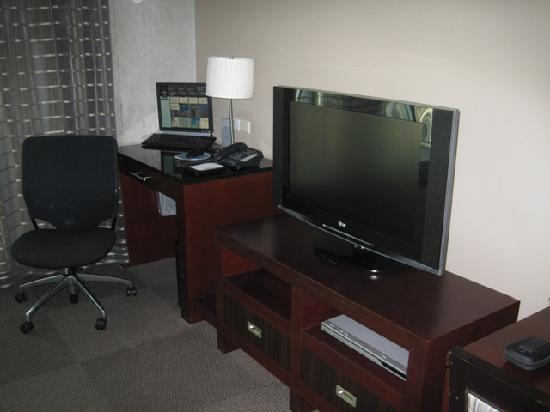 Twelve Atlantic Station Computer Setup In The Living Room Of Hotel