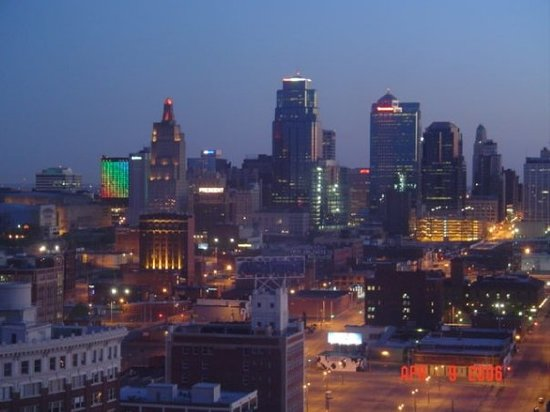 Kansas City, MO: cool shot of downtown