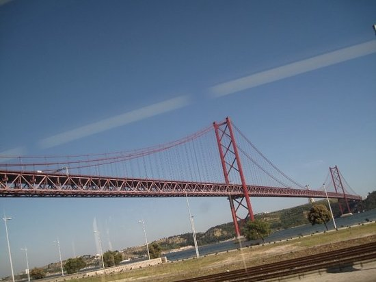 25 de Abril Bridge