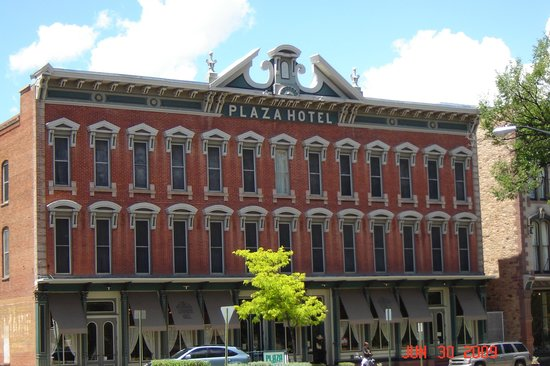 Plaza Hotel: Exterior of Hotel