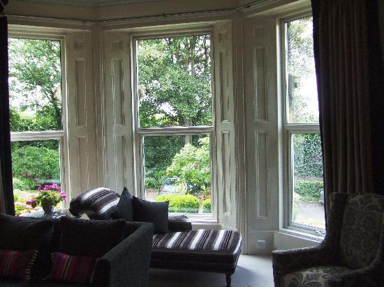 Leighton Townhouse: Living room on main floor