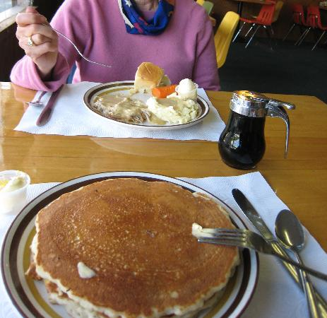 Palm Cafe & Motel: My inedible pancakes, her inedible turkey platter