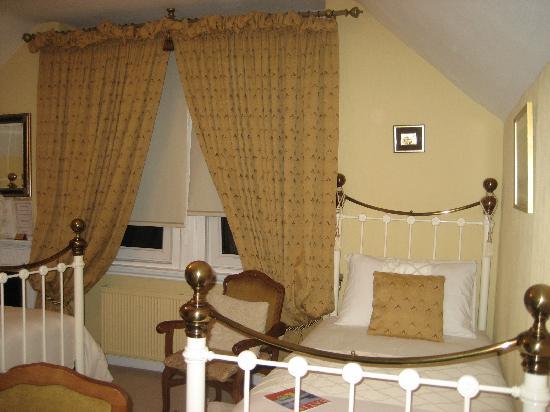 Villa Claudia: twin bed