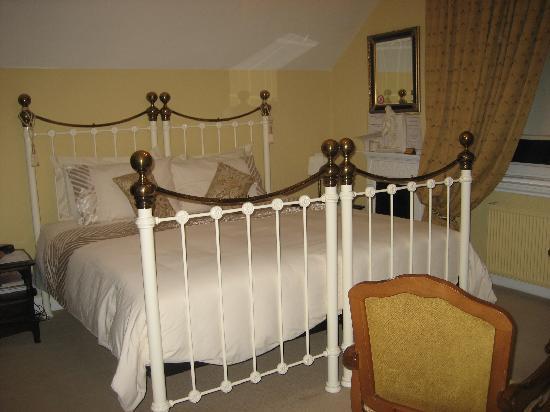 Villa Claudia: large bed