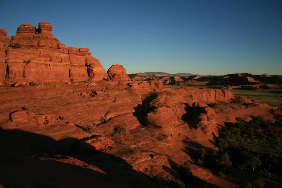 Canyonlands Needles Outpost : View from the rocks above