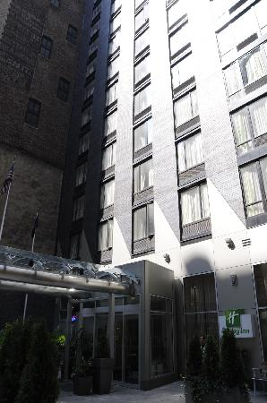 Holiday Inn NYC - Manhattan 6th Avenue - Chelsea: Hotel Exterior