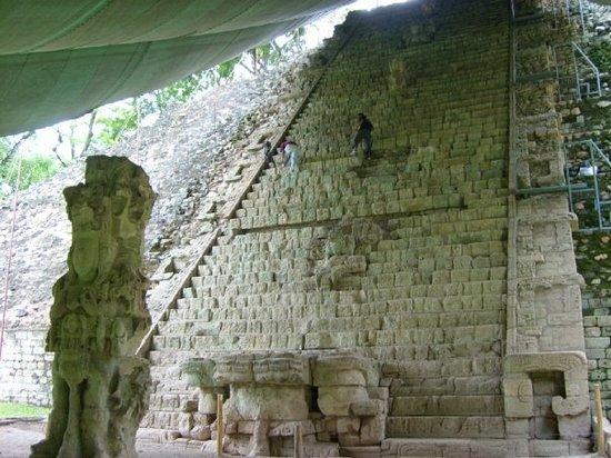 Escalier hiéroglyphique