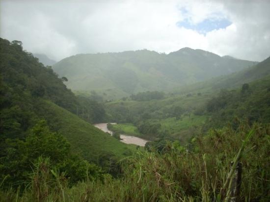 Yanachaga Chemillen National Park, Peru: Rio Pozuzo