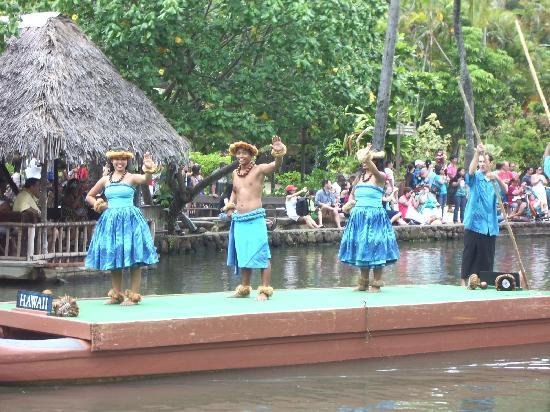 Polynesian Cultural Center: Hawai'i during the canoe pagent