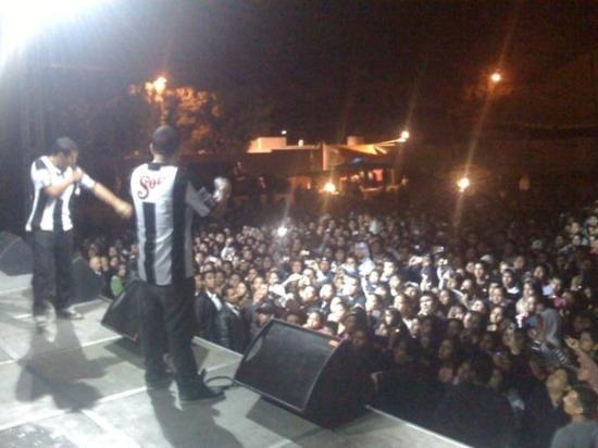Orizaba, Meksika: De albinegros, con un gran público que aguantó lluvia y pendejps en el audio.