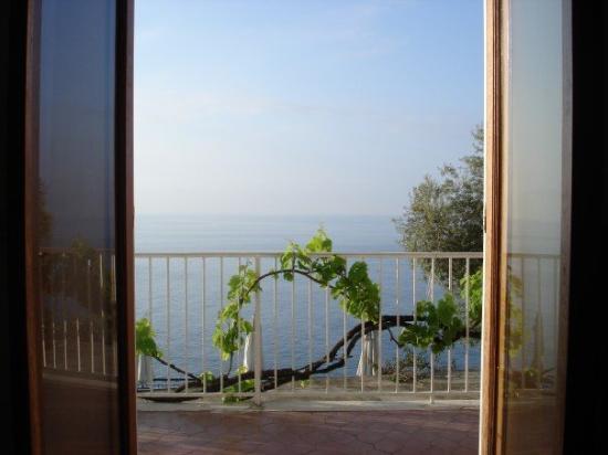 Open Gate: Praiano