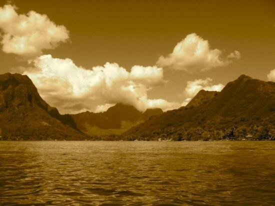 Where Munity on the Bounty was filmed - Moorea - Picture of