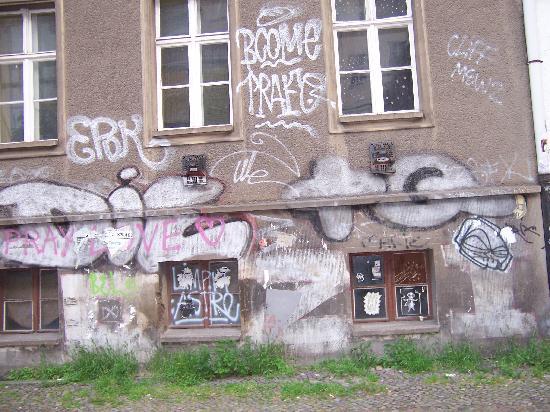Hotel Kastanienhof: building two doors away