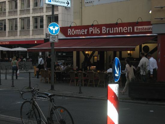 Romer Pils Brunnen Picture Of Romer Pils Brunnen Frankfurt