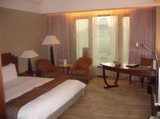 Miramar Garden Taipei: Deluxe King room - 10th floor