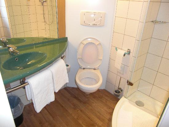 Ibis Bregenz: Badezimmer