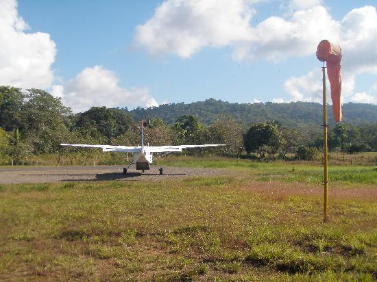 Pirate Cove : The airport in Drake Bay