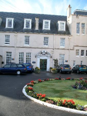 The Portpatrick Hotel: Entrance to hotel