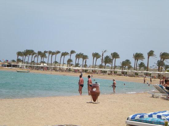 Dana Beach Resort: clear sea