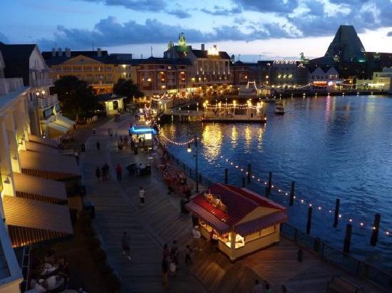 Disney's BoardWalk Inn: Evening balcony view