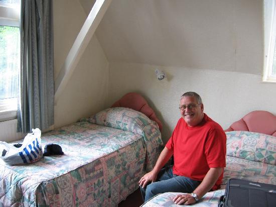 Awentsbury Hotel Birmingham: Second night's room
