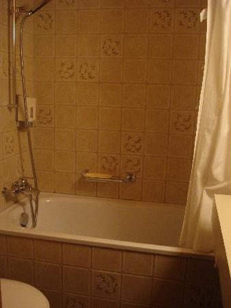 Hotel Staubbach: bathroom - 2