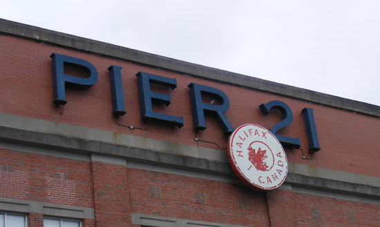 Галифакс, Канада: Pier 21 Cruise ship terminal.