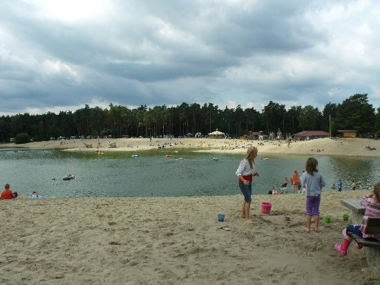 Südsee-Camp: Beach and Lake