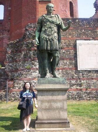 Turín, Italia: Jules César, statue d'origne