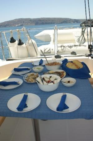 Santorini Sailing: LUNCH SERVED ON CRUISE