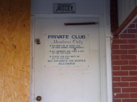 Juicey's Pool Hall Bruceton, TN