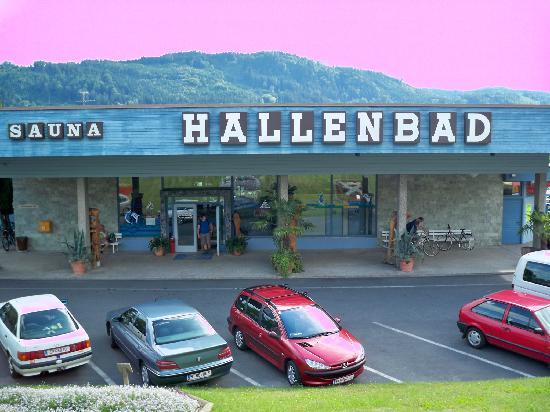 Hotel Silberhof: Hallenbad im Ort