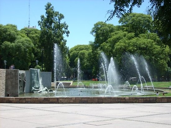 ‪Plaza Independencia‬