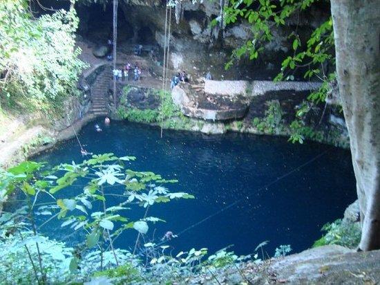 Cenote Zaci. Valladolid, Yuc.