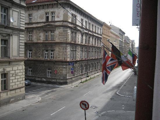 Aparthotel City 5: Hotel street view