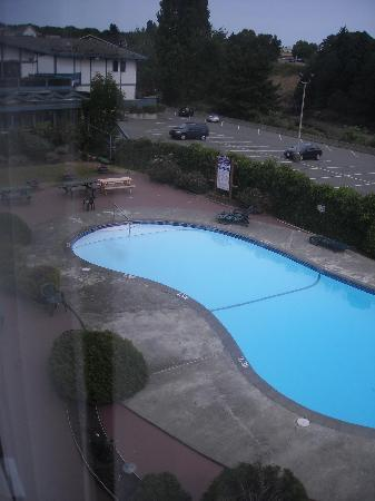 Howard Johnson Hotel - Nanaimo Harbourside: View from our room