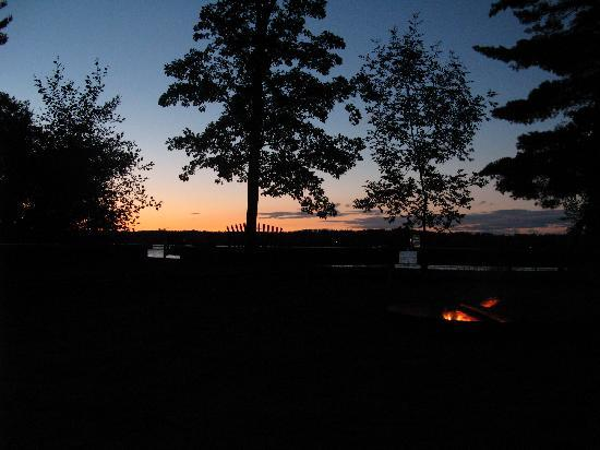 Good Ol' Days Family Resort: Evening sky and campfire