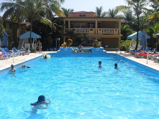 Hotel Celuisma Cabarete: The Small pool