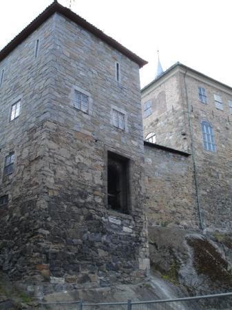 ปราสาทและป้อมปราการอาเคอรร์ชูส์: Akershus castle, the original entrance.