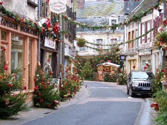 toucy france picture of auxerre yonne tripadvisor. Black Bedroom Furniture Sets. Home Design Ideas