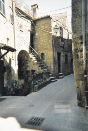 Pitigliano, İtalya: Don't ask for adresses there!-;
