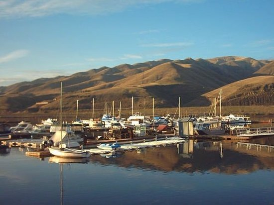 ลูอิสตัน, ไอดาโฮ: Lewiston, IdahoThis is the river that Lewis and Clark traversed during the infamous expediti