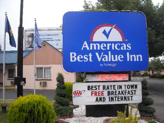 Americas Best Value Inn Eugene : Welcome sign