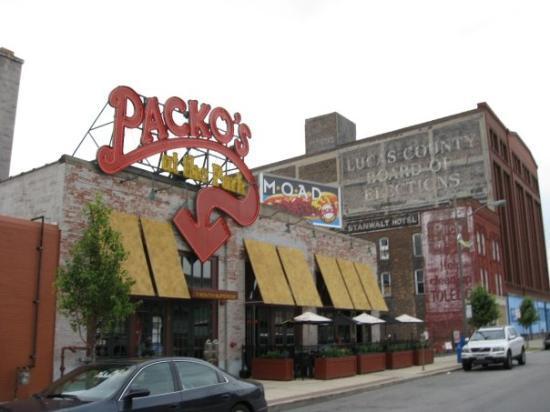 Tony Packo's Cafe: Tony Packos again ....