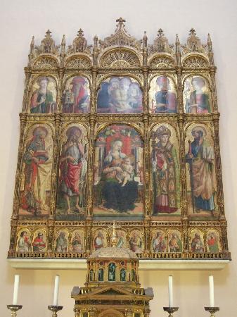 Cattedrale di Sant'Emidio: カルロ・クリヴェッリの祭壇画