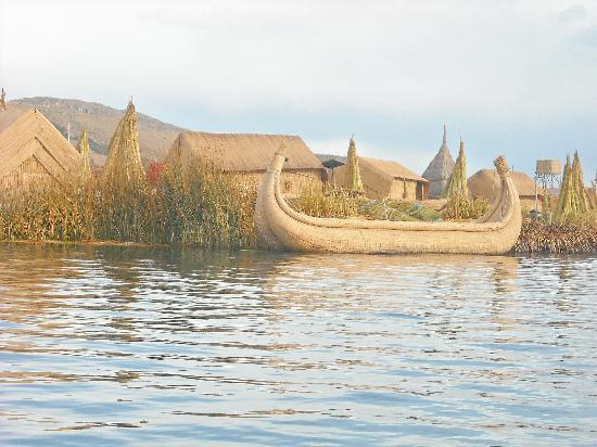 Totorani Inn : Lake Titicacca/ Uros Islands