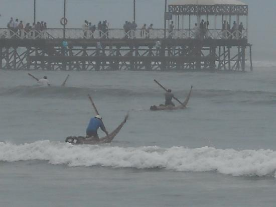 Naylamp : Fisherman off Huanchaco Beach