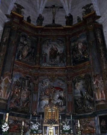 Cáceres, España: Retablo de la Iglesia de Santiago de los Caballeros. Obra destacada en él es su hermoso retablo