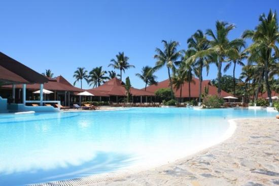 Andilana Beach Resort: piscina